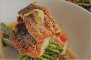 ウォーターフロントの魚料理