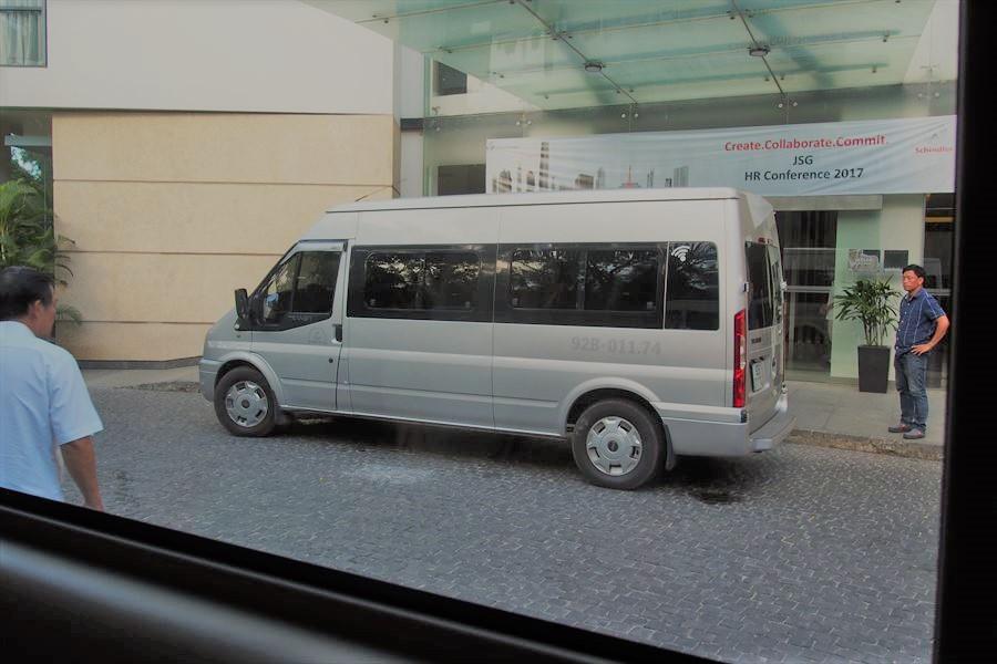 ホイアン行きのシャトルバス