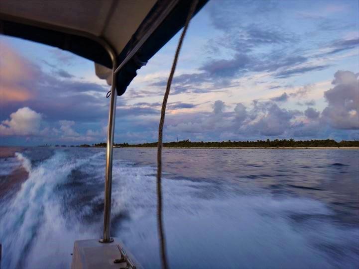 モルディブ スピードボート